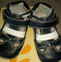 Sandalski, spor ayakkabı