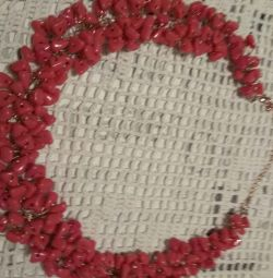 Lilac red bead necklace