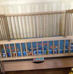 Кровать детская.дерево.бу .+матрац новый,бамбук.