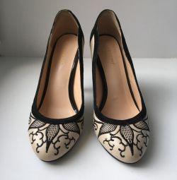 Παπούτσια σελ. 35