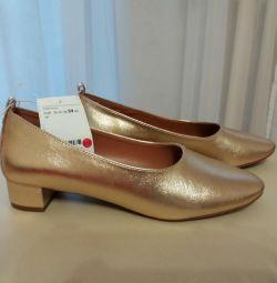 Нові туфлі H & M 39