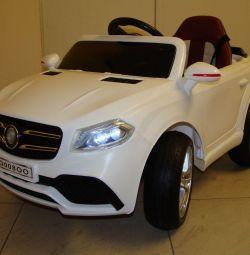 Дитячий електромобіль Mercedes ML O008OO VIP