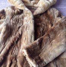 Palton scurt de blană de castor