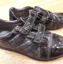 Ботинки для девочки 34р-р