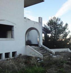 Α 3level maisonette of 553.72 sq.m., with a loft i