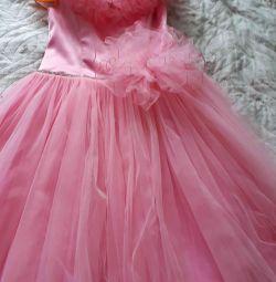 mezuniyet için elbise