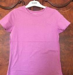 T-shirt για το κορίτσι. Μέγεθος 140, μικρό μέγεθος