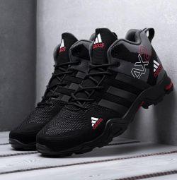 Αθλητικά παπούτσια Adidas AX2