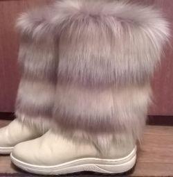 нові красиві зимові теплі чобітки