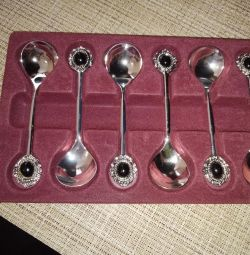 A set of dessert spoons new