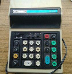 Ретро калькулятор Тошиба