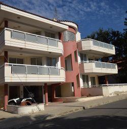 Двухэтажное жилое здание в Эгкоми, Никозия