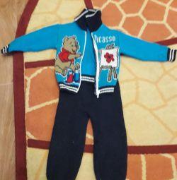 Детский вязаный костюм