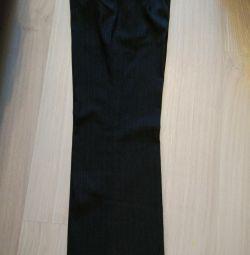 Pantaloni pentru femei 70% lână 46-48 mărime