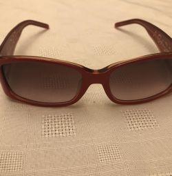 Αρχικά γυαλιά Escada
