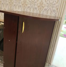 Corner table with hanging cabinet