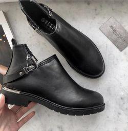 Νέες μπότες όλων των μεγεθών