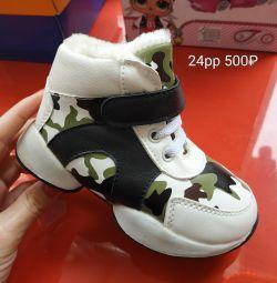 Kışlık spor ayakkabı yeni