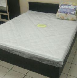 Ліжко з матрацом в комплекті нова
