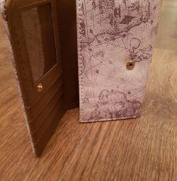 Women's wallet. New.