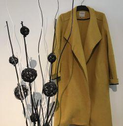Вовняне пальто Zara