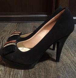 Pantofi mărimea 36