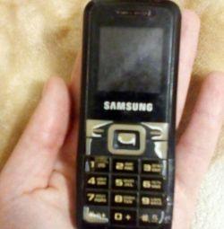 Телефон самсунг Е 1070