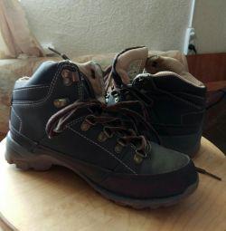Τα πάνινα παπούτσια είναι εφηβικά νέα r. 35