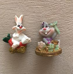 Hare figures