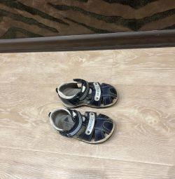 Sandals p 22