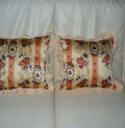 Pillows 2 pieces