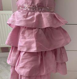 Φόρεμα σεντάν
