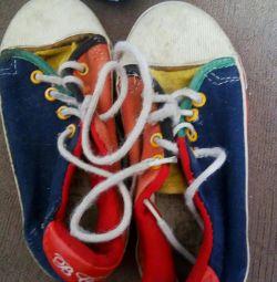 Дитячі кросівки разм.31