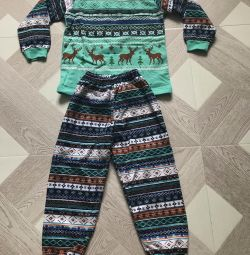 Suit or pajamas for 4-5 years