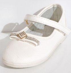Туфлі на липучці