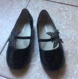 Λακαρισμένα παπούτσια μαύρης αντιλόπης