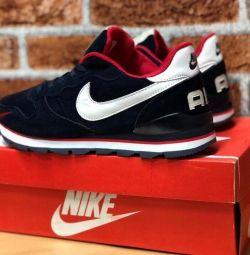 КРОССОВКИ Nike р. 42,45