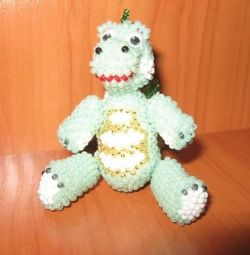 Mic dragon de mărgele ceh (handmade).