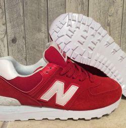 Нові кросівки червоні 37 розмір