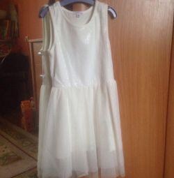 Elbise boyutu 122/128