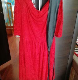 Όμορφο φόρεμα δαντέλας