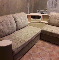 Γωνιακός καναπές και πολυθρόνα