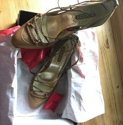 Pantofi din soluția HUGO BOSS 39