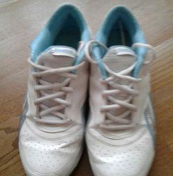 Λευκά πάνινα παπούτσια με τιρκουάζ