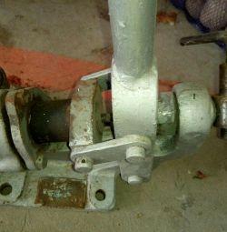 Manual oxygen pump