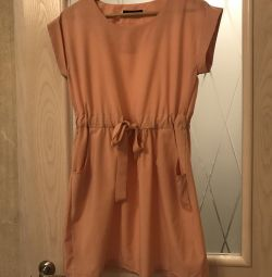 Peach-colored dress Zara