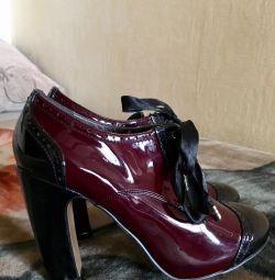 Βερνίκια μπότες