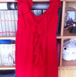 küçük kırmızı elbise