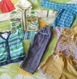 Ρούχα για ένα αγόρι 1-2 χρόνια. Στη φωτογραφία, όχι όλα.