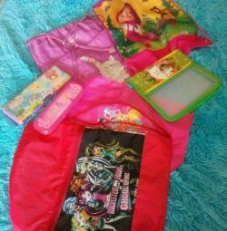 Kızlar için okul malzemeleri